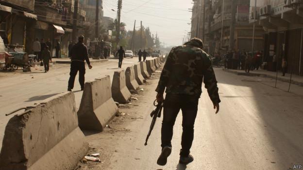 Rebeldes sírios lutam entre si e desestabilizam fronteira com Turquia