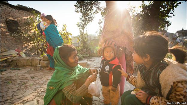 Дети на улице в Катманду