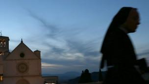 Freira na Itália, em foto de arquivo (Getty)