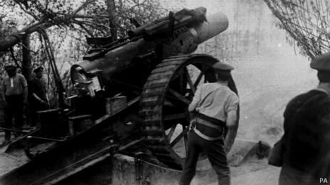 Первая мировая война: 10 главных мифов 140120173431_ww1_artillery_464x261_pa