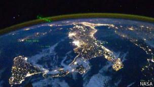 Esta imagen satelital indica que Italia no es un lugar para escaparse del ruido.