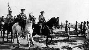 Generales a caballo