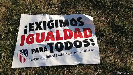 pancarta de desigualdad en Washington