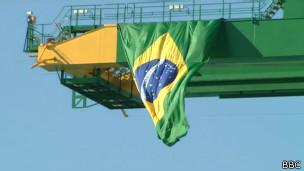 Bandeira brasileira no Porto de Mariel | Foto: BBC