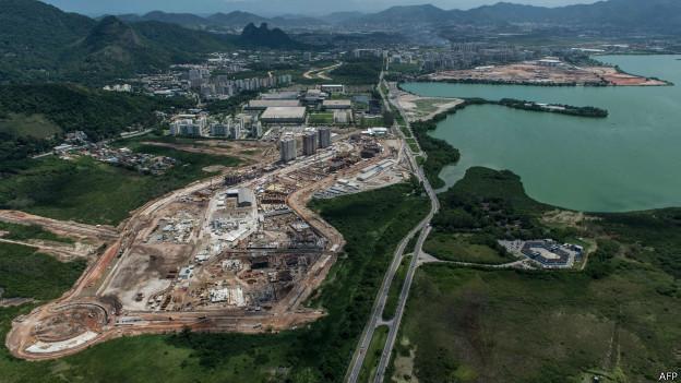 Vista aérea da construção da Vila Olímpica no Rio (AFP)