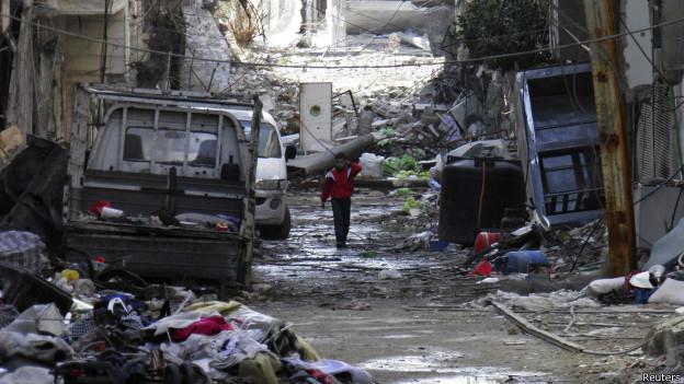 Ruínas e sujeira em Homs (Reuters)