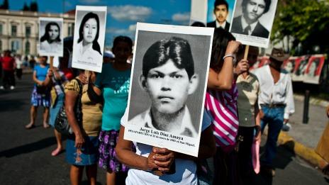 Marcha por los desaparecidos durante la Guerra Civil. Foto Getty Images