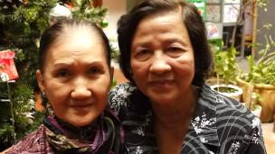 Hai bà quả phụ Nguyễn Thành Trí và Ngụy Văn Thà (bên phải)