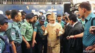 عالمي الحكم بإعدام رئيس أكبر إسلامي بنغلاديش 140130162212_motiur_
