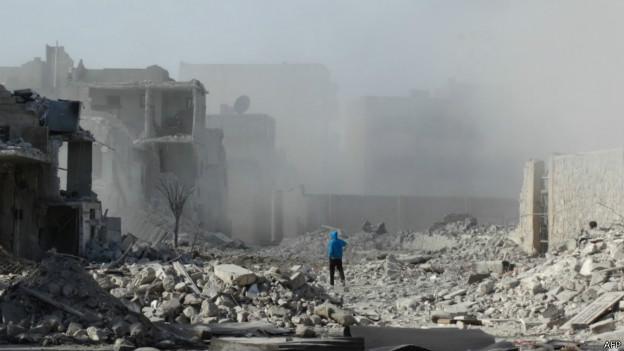 Homem em Aleppo | Foto: AFP