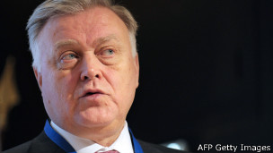 http://wscdn.bbc.co.uk/worldservice/assets/images/2014/02/11/140211105240_yakunin_304x171_afpgettyimages.jpg