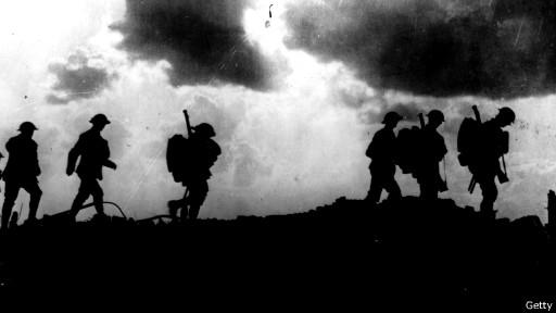 Британские солдаты на фронте неподалеку от Ипра