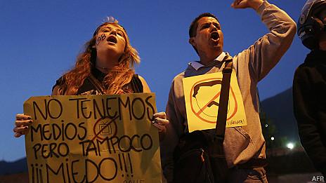manifestantes de la oposicion en Venezuela