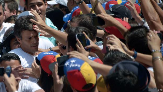Preso, López ganha força na oposição e cria dilema ao governo da Venezuela