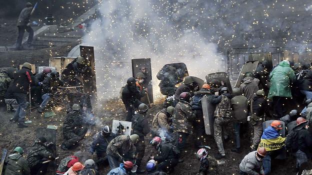 Manifestantes en la plaza de la Independencia en Kiev
