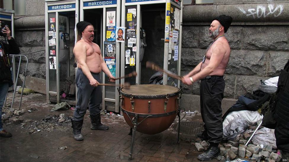 Казаки с барабанами