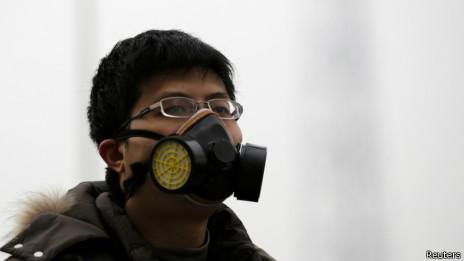 北京街头戴口罩的行人(2014年2月22日)