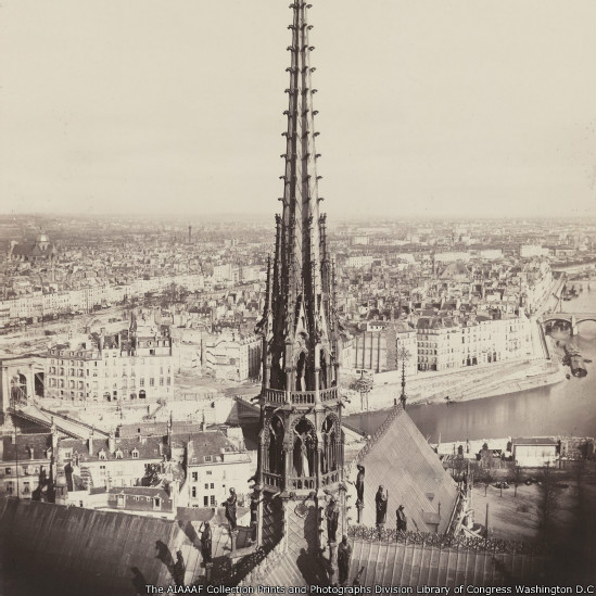 Charles Marville, fotógrafo que registrou a reforma urbana da capital francesa, ganha exposição no Metropolitan Museum of Art, em Nova York.