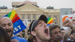 """Активисты радуются отклонению """"антигейского"""" законопроекта в Финиксе, штат Аризона"""
