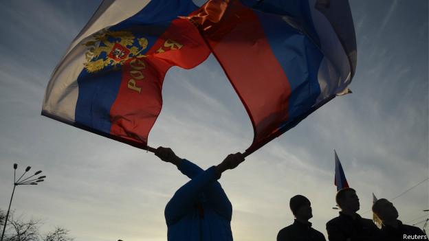 Manifestantes pró-Rússia na Crimeia (Reuters)