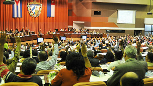Capitalismo en Cuba, privatizaciones, economía estatal, inversiones de capital internacional. - Página 4 140306115950_cuba_blog_raquel_perez_304x171_raquelperez_nocredit