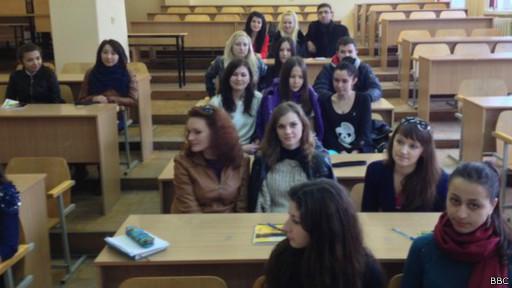 Estudantes na Crimeia (BBC)