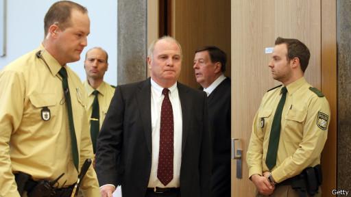 Ули Хёнесс в суде