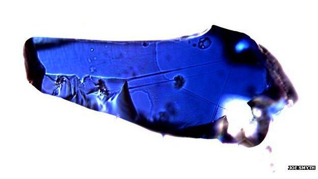 नीला खनिज