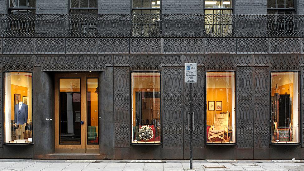 Фасад магазина Paul Smith в Лондоне
