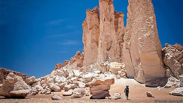 Formações rochosas no deserto do Atacama (Foto: Wikimedia Commons)