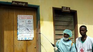 ¿Cómo controlar la epidemia de un virus que no tiene cura?
