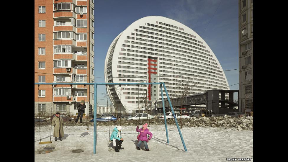 La arquitectura de la era postsoviética 140327104128_frankherfortimperialpomp2