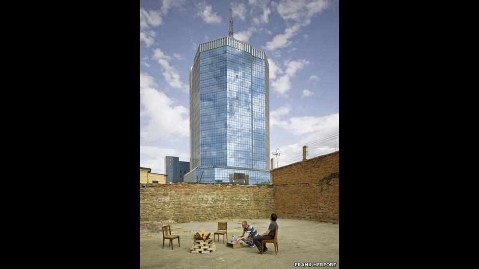 La arquitectura de la era postsoviética 140327104130_frankherfortimperialpomp10