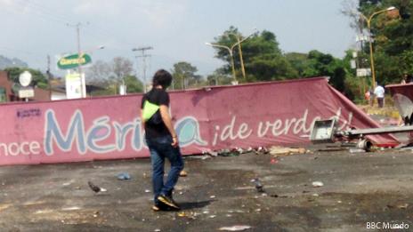 Cartel que da bienvenida en Mérida