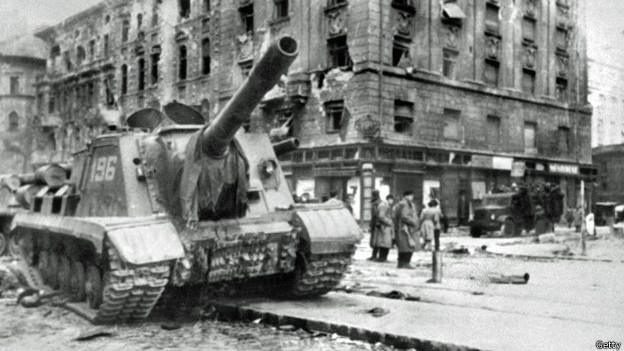 Советская самоходка в Будапеште