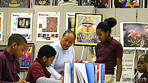 Alumnos de una clase de arte en Estados Unidos