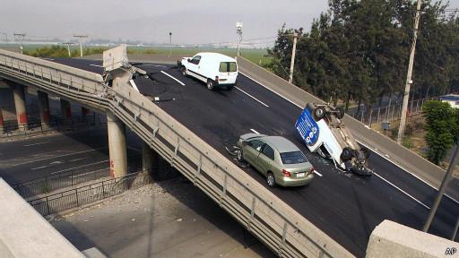 Autos destrozados por el terremoto de 2010 en Chile