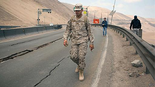 Soldado chileno en carretera