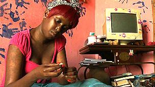 Nicolette, joven de Uganda