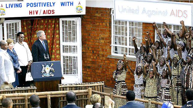 Ex presidente de EE.UU, George W. Bush, en Uganda