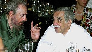 馬爾克斯與古巴領導人卡斯特羅