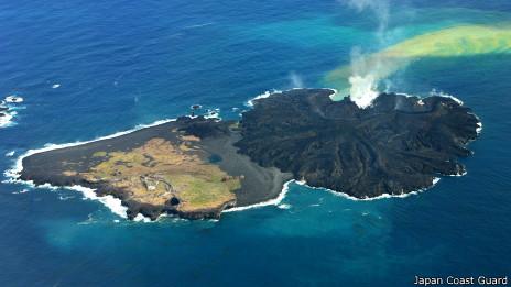 Islas volcánicas en Japón el 12-01-2014