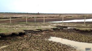 Un pozo para la exploración de petróleo en los llanos de Casanare, Colombia.