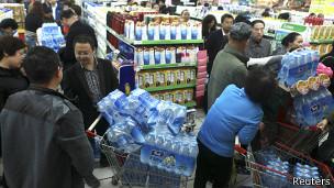 Compra de agua embotellada en Lanzhou