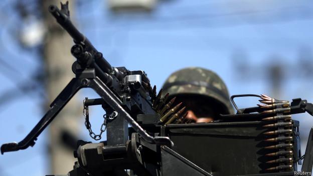 Brasil cai em ranking global de gastos militares em 2013