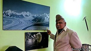Narendra Kumar.