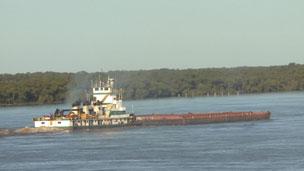 Barco en el río Paraná