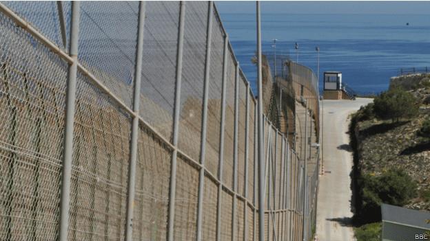 Valla en la frontera de Melilla