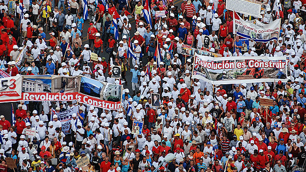Marcha por el 1° de mayo en La Habana height=351