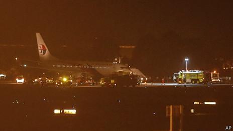 Avión de Malaysia Airlines que debió aterrizar de emergencia